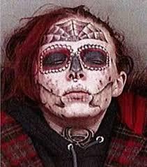 万引きで逮捕された27歳女性の顔面変異が話題