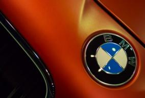 オイル交換をディーラー交換の半額程度の価格で行なう方法(BMW編)
