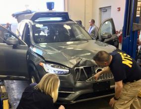Uber自動運転で死亡事故発生