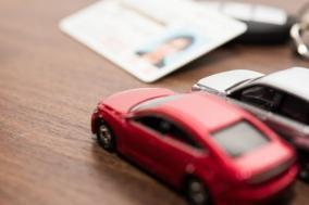 1台分の駐車場で複数台の車庫証明を取得している車好きの友人