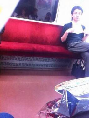 近鉄京都線に出没・乳首おじさん逮捕