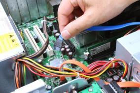 大手パソコンメーカー製品の修理と保証について