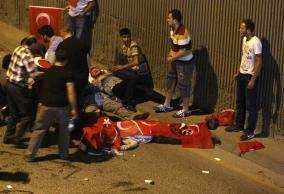 トルコで戦車が民間人轢き殺していく動画が話題