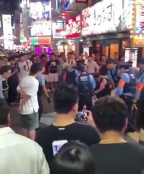 歌舞伎町・のぞき部屋盗撮客で刺され死亡か(動画)