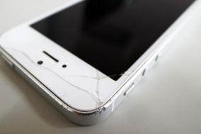 壊れたiPhoneが3,200円で新品になった話