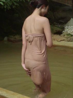 テレ朝「秘湯ロマン」タオルの下の水着がくっきりの放送事故