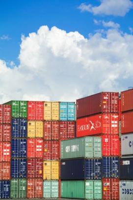 クリニック オーストラリア製品を日本へ輸出するための輸入業者を探したい